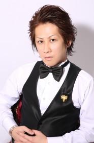鳳堂 義人店長/JSA認定ソムリエ(Houdou Yoshito)